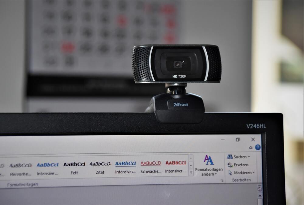ライブ配信におすすめのWEBカメラ|クリップタイプ
